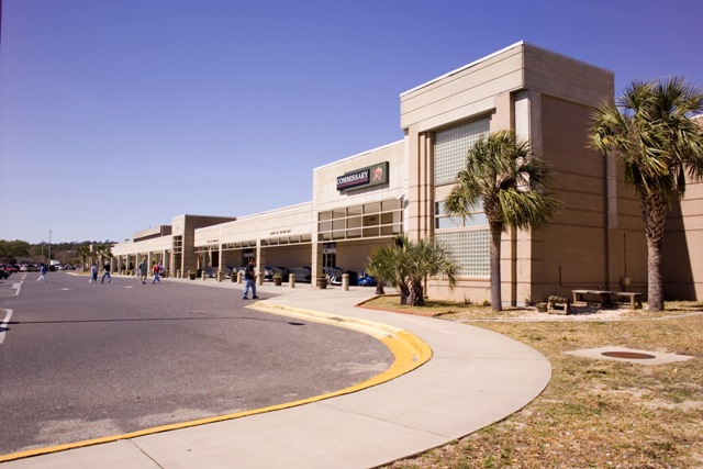 18/42: The Eglin AFB Commissary